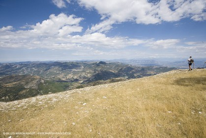 19 08 07 - Higher Provence, landscapes as seen from top of Mount Lure (FRA, 04)