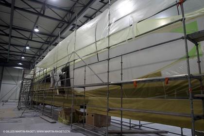 Vannes - Multiplast Boatyard - Orange II painting