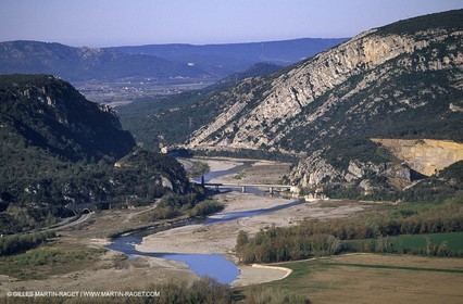 Durance river - Mirabeau bridge