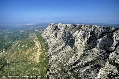 Provence - Landscapes - La Sainte Victoire