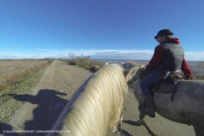 26 12 2013 - Les Saintes Maries de la Mer (FRA,13) - Horese riding at Cabanes de Cacharel