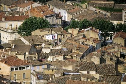 Landscapes and villages of Luberon national Park (FRA,04)