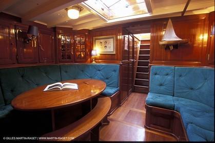 Interiors - Classic yachts - Oiseau de feu