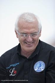 18 04 2012 - La Ciotat (FRA,13) - L'Hydroptère en préparation - Présentation du  nouvel équipage - Yves Parlier