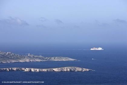 16 04 2009 - Marseille (FRA, 13) - Les Calanques - Ferry off Riou archipelago