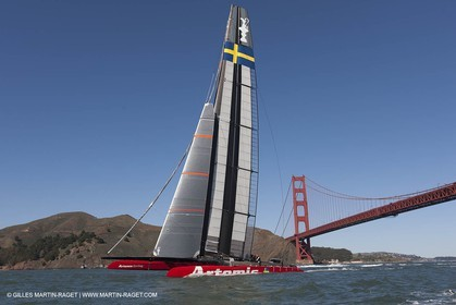 11 02 2013 - San Francisco (USA) - 34th America's Cup - Artemis Racing AC72 training