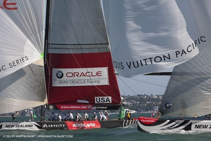 08 02 2009 - Auckland (NZL) -  Louis Vuitton Pacific Series -  Racing Day 9 - Round Robin 2 - BMW ORACLE Racing Vs Alinghi