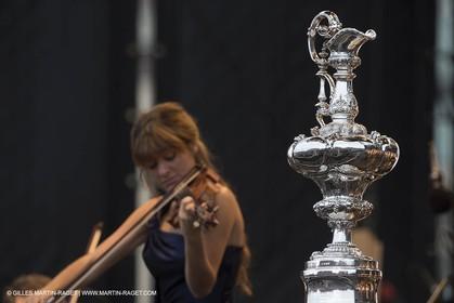 20 07 2013 - San Francisco (USA,CA) - 34th America's Cup - America's Cup Pavilion Concert Series - San Francisco Symphony - Nicola Benedetti (Violin)