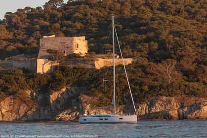 28 08 2016, Hyères (FRA,83), Chantier Jeanneau, Jeanneau Yacht 51