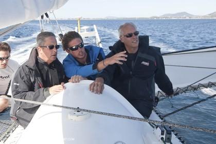 05 09 2009 - Hyères (FRA, 83) Hydroptère beat the overal sailing speed record with a run at 51,36 knts Vice Amiral d'Escadre Yann Tainguy, Prefet Maritime de Toulon et Hugues Parant, prefet du var, à bord...