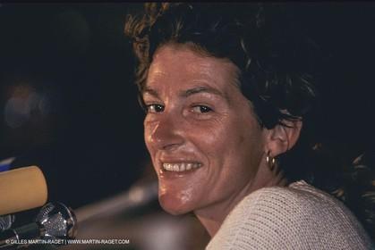 Novembre 1990, Pointe à Pitre, Route du Rhum 1990, Arrivée Victorieuse de Florence Arthaud