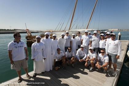 20 11 2010 - Dubai (UAE) - Dubai Louis Vuitton Trophy - Traditionnal dhow races for competing teams - BMW ORACLE crew