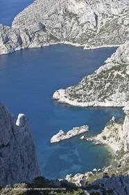 30 04 2009 - Marseille (FRA, 13) - Les Calanques - Morgiou, Sugitton et les Pierres tombées as seen from col de la Grande Candelle