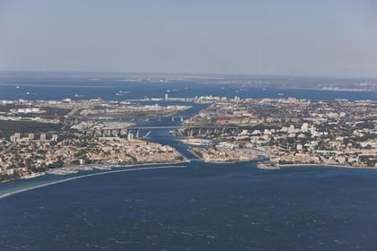 14 07 2008 - french coast in Fos gulf and Port de Bouc area