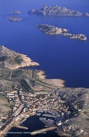 Les Goudes (village) - Jarre , Calseraigne and Riou Islands