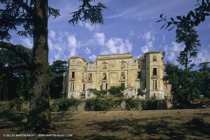 France, Provence, Pays d'Aubagne, collines de Marcel Pagnol, Chateau de la Busine