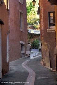 Roussillon street