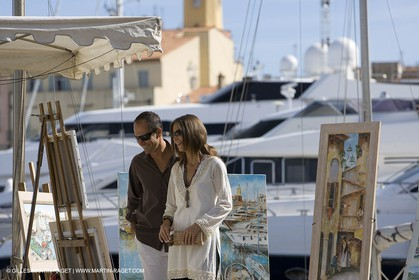 06 09 2007 - Saint Tropez (FRA, 83) - Superyachts - Motoryachts - Mangusta 92 Triple Fun in Saint Tropez - - Shopping in Saint Tropez