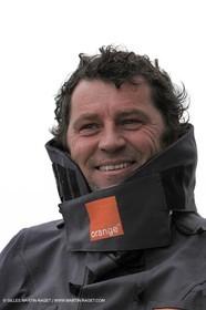 Trophée Jules Verne - Lorient - 30 12 04 - Orange II - Entraînement - A bord - Lionel Lemonchois