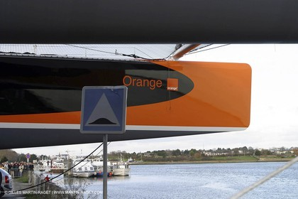 Vannes - Multiplast Boatyard - Orange II 1st go in the water