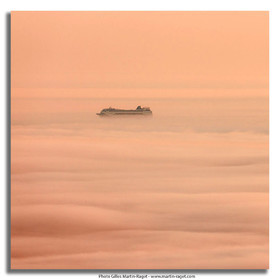 18 07 2012 -Marseille (FRA ) - Unusual foggy conditions