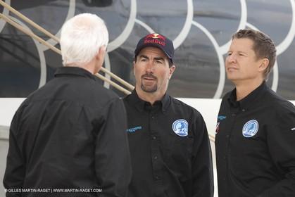 18 04 2012 - La Ciotat (FRA,13) - L'Hydroptère en préparation - Présentation du  nouvel équipage - Yves Parlier, Luc Alphand, Alain Thébault