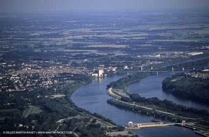 Rhône river, Tarascon
