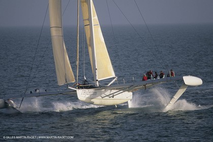 Sailing, Overall speed record attempt, L'Hydroptère