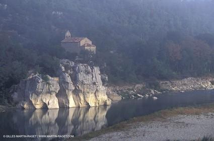 Durance river close to the Mirabeau bridge