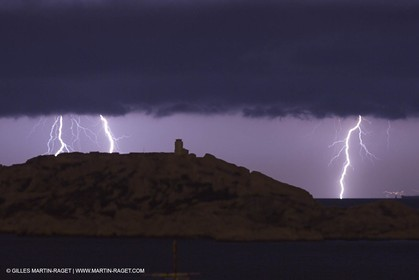 Thunderstorm over Planier island lighthouse - Marseille (FRA,13) - 18 06 2014