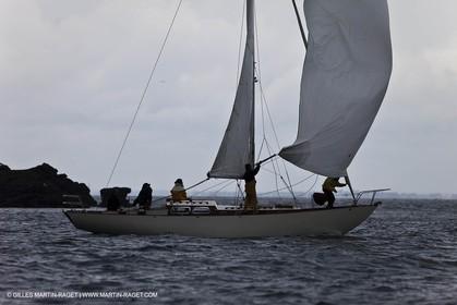 01-05-10 - Le Bono (FRA,56) - Regate Classique -Acteia II - Maica