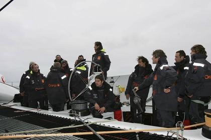 Orange II - Jules Verne Trophy 2005 - Traning Lorient - Bruno Peyron + crew -