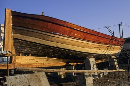 Traditional boat building, La Maddalena (ITA)
