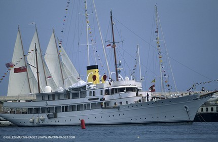 Classic Motoryachts, RosenKavalier