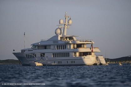 Super Motor Yachts, Huntress