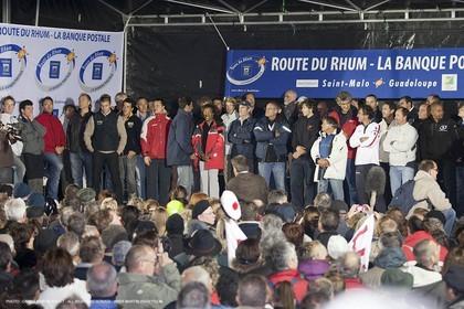 29 10 2010 - Saint Malo (FRA, 35) - Route du Rhum 2010 - Ambiances in Saint Malo - skippers presentation
