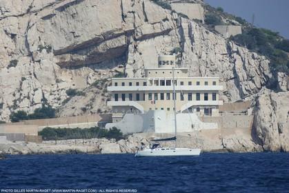 Marseille port, Pilot station at Iles du Frioul