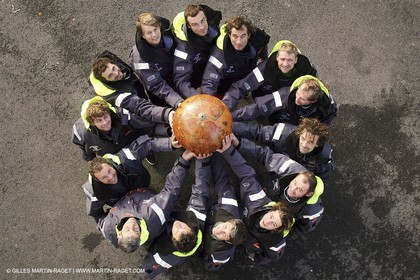 Orange II -2005 Jules Verne Trophy-Training in Bay of Biscay-Whole crew..