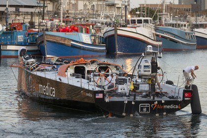 11 11 2014, Capetown (ZAF), Volvo Ocean Race 2014-15, Team Alvimedica, boat back in teh water