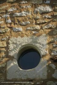 France, Provence, Villages du Luberon, détails, vieilles pierres, portes, toitures