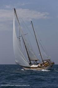 Sailing, Classic yachts, Voiles Vieux Port 2009, Marseille (FRA)