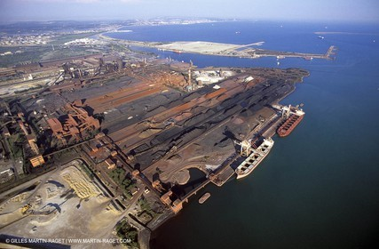Fos harbour, mineral terminal