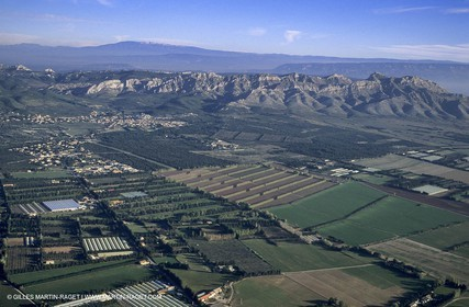 Barbegal plain - Alpilles - Ventoux