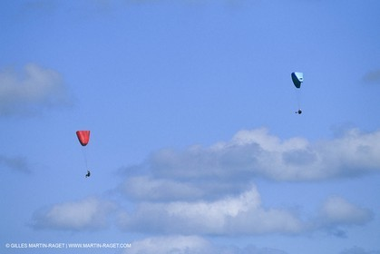 watersports, parachute ascensionnel, winglider, paraglider, aile volante