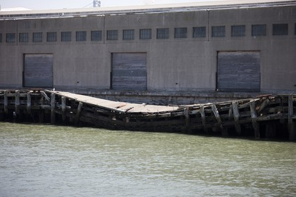 07 06 2011 - San Francisco (USA,CA) - 34th America's Cup - Event sites -  The Piers in their state of origin - Pier 19