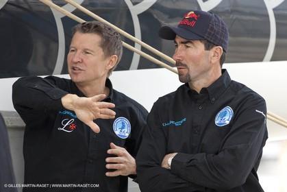 18 04 2012 - La Ciotat (FRA,13) - L'Hydroptère en préparation - Présentation du  nouvel équipage - Alain Thébault, Luc Alphand