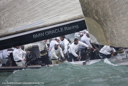 03 08 2010 - Cowes (UK, IOW) - The 1851 Cup -  BMW ORACLE Racing - Day 1.